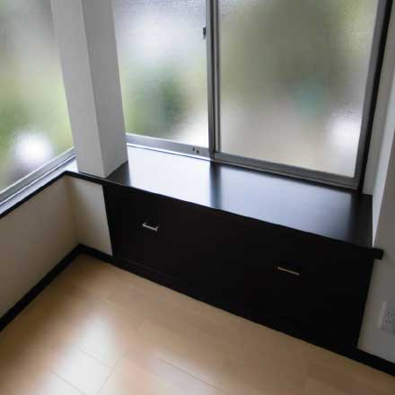 造り付けの壁面収納例3